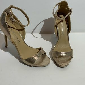 Chinese Laundry Sparkly Gold Ankle Strap Heels 10